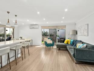 FULLY RENOVATED FLAWLESS VILLA PRIVATELY POSITIONED - Caringbah