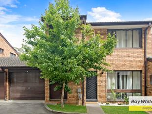 Modern Solid Townhouse in popular complex. - Liverpool