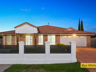 EXQUISITE FAMILY HOME IN GREAT LOCATION - Calamvale