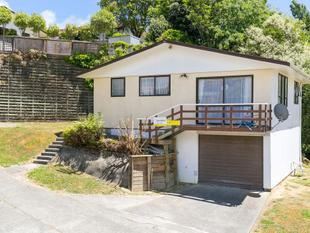 Stands Above  The Crowd !  B.E.O $310,000 - Ranui Heights