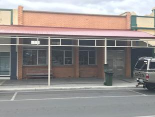 COMMERCIAL PREMISES FOR LEASE! - Wallaroo