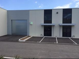 AS NEW 230SQM OFFICE/WAREHOUSE - M & M BUSINESS PARK - Thornbury