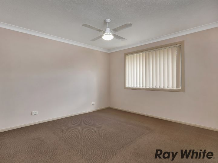 130 Golden Avenue, Calamvale, QLD