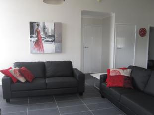 Fully furnished two bedroom unit - Top story - Roma