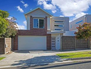This inviting and modern townhouse proposes an exciting opportunity for the discerning buyer. - Highton