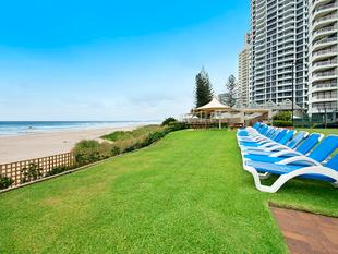 Outstanding, Modern Masterpiece  Absolute Beachfront Bargain! - Surfers Paradise