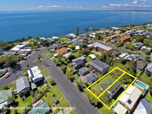 Two Lots, Two Titles, Huge Block - Woody Point