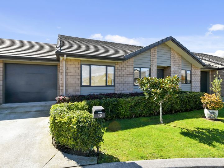 40 Royalle Mews, Botany Downs, Manukau City