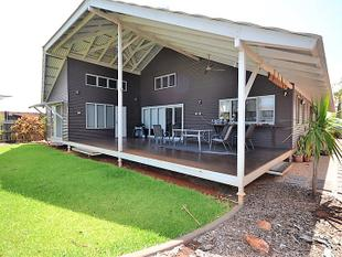 Fabulous Modern Family Home 3 x 2 with Theatre Room - Cable Beach