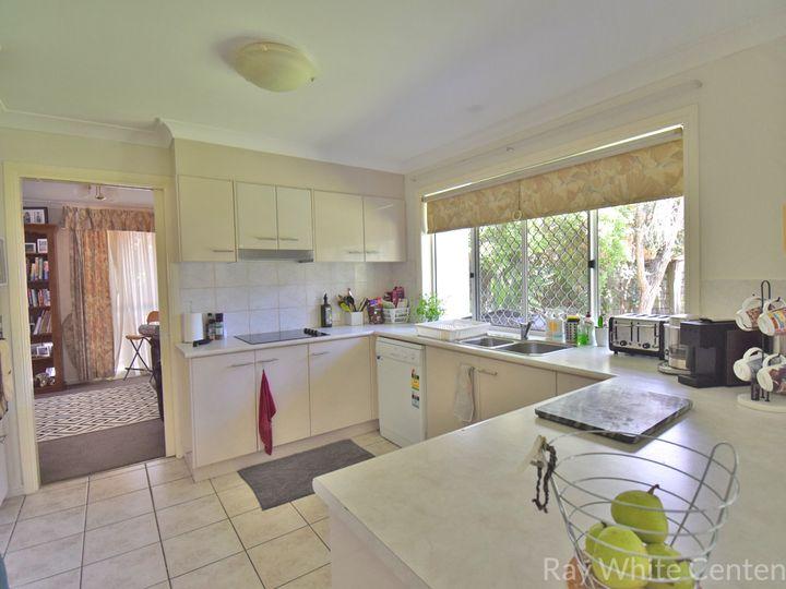 2/15 Abel Smith Crescent, Mount Ommaney, QLD