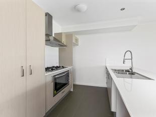 Modern Townhouse - - Manly West