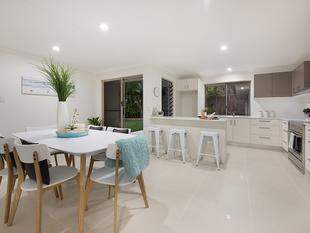 Ultra Modern Renovated Home, easy walk to Mooloolaba Beach - Mooloolaba