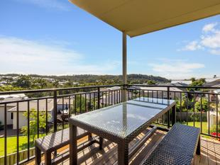 Spacious family home with dual living - Upper Coomera
