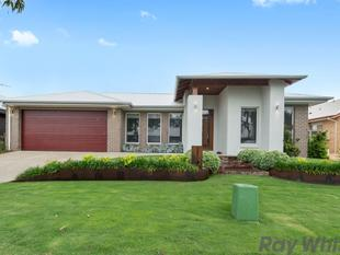 4 Bedroom - Xtra Large garage - 2 living - Low maintenance - Yarrawonga