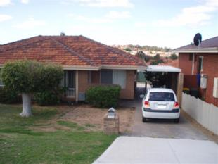 Great Location! Close to schools, beach and shops! And the lawn mowing is included! HOME OPEN Monday 29 January 2018 (04:45PM - 05:00PM) - Spearwood