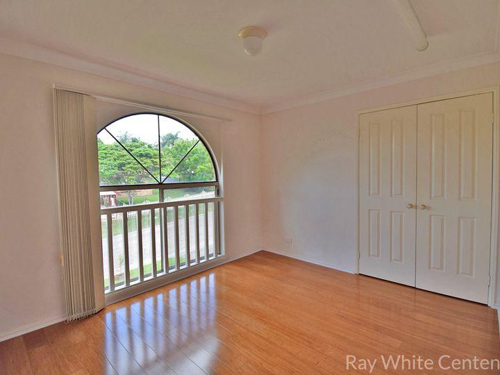 1 Warenda Close, Middle Park, QLD