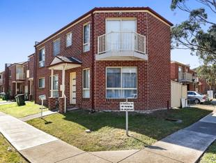 Sun drenched townhome with an enviable location - Roxburgh Park