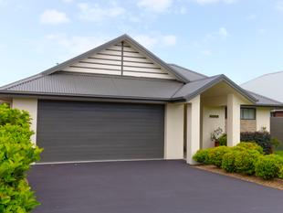 Don't hesitate on this immaculate home in Myall Quays - Tea Gardens