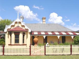 Magnificent stately  circa 1880  Victorian home on large block - Cootamundra