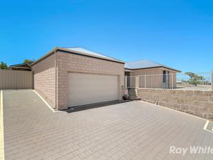 Modern, central large family home - Geraldton