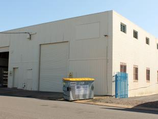 INDUSTRIAL FREE HOLD PREMISE - LEASE IN PLACE. - Norville