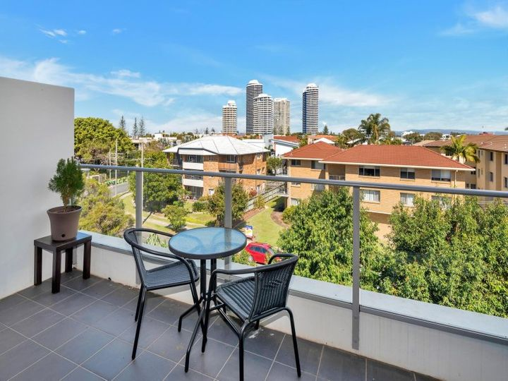 403/33-37 Madang Crescent, Runaway Bay, QLD