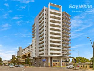 STUNNING MODERN APARTMENT WITH CITY VIEW - Parramatta