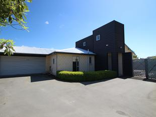 Modern Family Living - Northcote