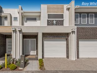 Suburban Townhouse with Fantastic Flair - Keysborough