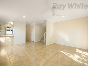 IMMACULATE TOWNHOUSE, MOVE IN IMMEDIATELY! - Eight Mile Plains