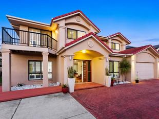 WELCOME HOME TO GRAND, LUXURIOUS, HIGH CLASS LIVING - Sunnybank