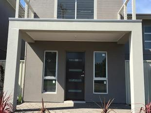 Great 2 bedroom townhouse. Available now! - Morphett Vale