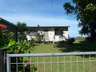 OCEAN FRONT PROPERTY AT FLYING FISH POINT - Innisfail