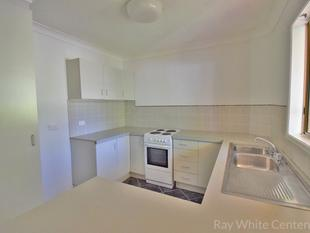 OPEN HOME:  SAT 25 NOV @ 1:45PM         2 BEDROOM UNIT WITHIN 5 MINS TO SHOPS & TRANSPORT + 5 KM TO CITY - 'Wilton Terraces' - Yeronga