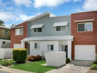 STUNNING, EX DISPLAY TOWNHOUSE!! - Eight Mile Plains