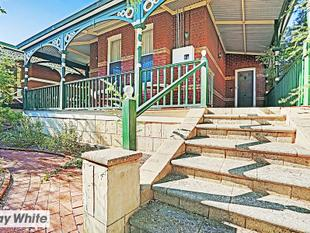 Very Rare Offering : Pre 1900's Federation Bungalow - Perth