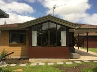 2 bedroom plus sleep out - Te Atatu