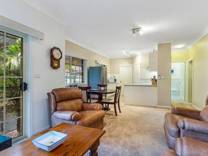 3/215 Brisbane Water Drive, Point Clare, NSW