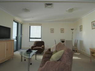 Furnished One Bedroom In Prime Location - Milsons Point