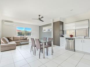Near New Air Conditioned Two Bedroom Unit - Alexandra Hills