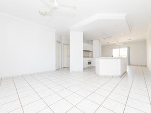 FABULOUS UNIT - POOL IN COMPLEX! - Coconut Grove