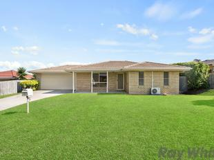 BEST STREET IN TOWN... FIVE STAR FAMILY HOME!! - Deception Bay
