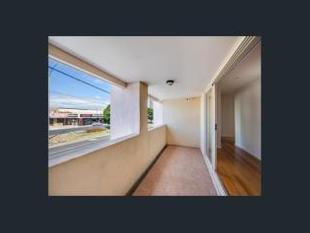 MODERN 1ST FLOOR APARTMENT - Frankston