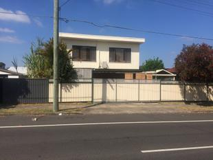 LARGE 2 BEDROOM HOUSE - Auburn