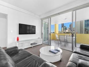Spacious, Modern & Five Minutes to the CBD - Spring Hill