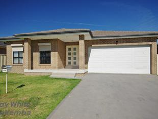 GREAT 5 BEDROOM, Young Home with Cal De Suc Location !! - Ingleburn