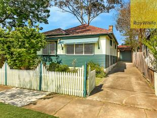 CHARACTER-FILLED CHARMING COTTAGE - Parramatta