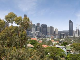 SENSATIONAL VIEWS  SOUGHT AFTER ADDRESS - Bardon