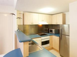 Secure One Bedroom Apartment with Courtyard - Balmoral