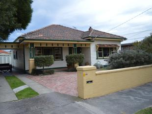 IMMACULATELY PRESENTED FAMILY HOME - Mentone